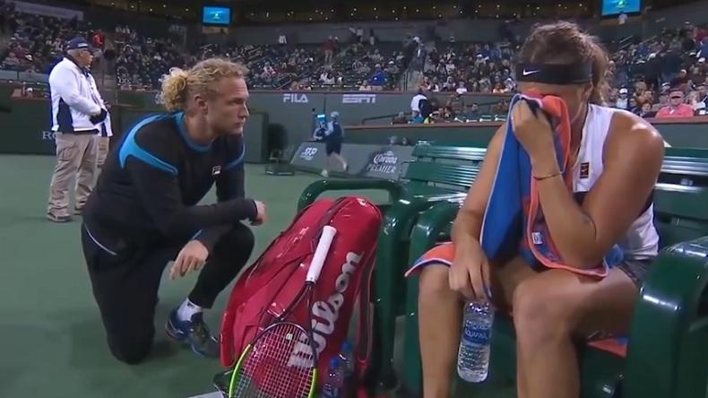 Un refus et le silence. Le coaching de Dmitry Tursunov avec Aryna Sabalenka est puissant.