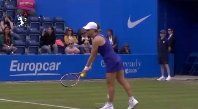 Samantha Stosur claque quatre aces à la suite contre Christina McHale au tournoi de Birmingham 2014.