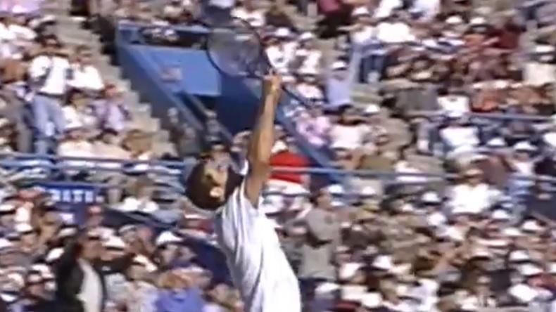 Un point énorme entre Sampras et Agassi en finale de l'US Open 1995.