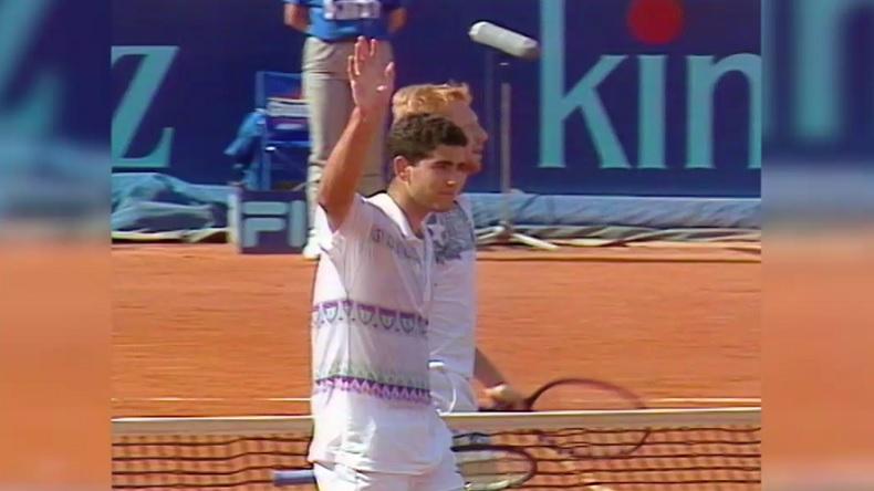 Pete Sampras gagne le Masters de Rome 1994 contre Boris Becker et s'adjuge son seul grand titre sur terre battue.