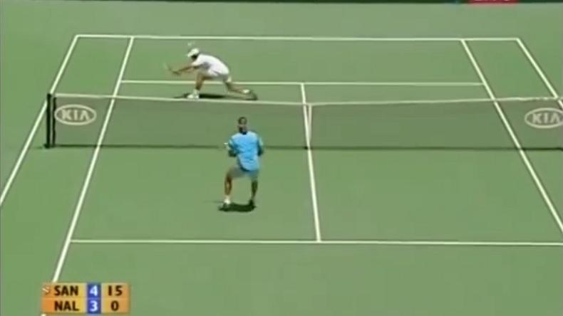 Fabrice Santoro aura fait douter David Nalbandian pendant un set en quarts de finale de l'Open d'Australie 2006.