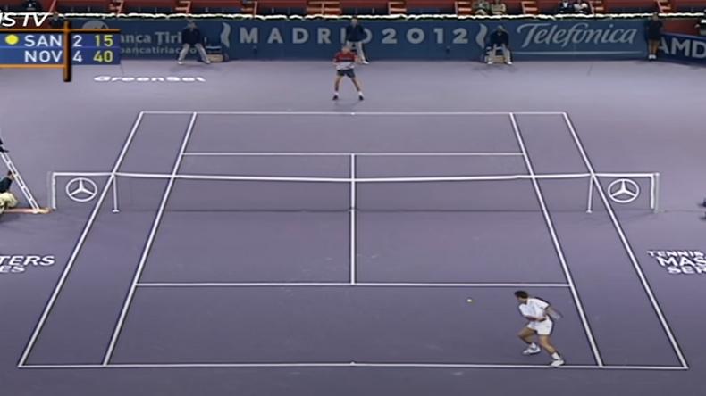 Une vidéo des plus beaux points du magicien de la petite balle jaune : Fabrice Santoro.