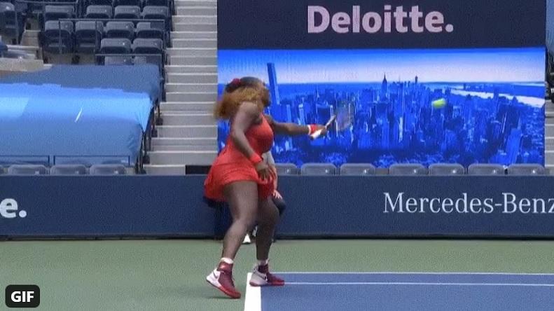 Le retour main gauche de Serena Williams contre Pironkova à l'US Open 2020.