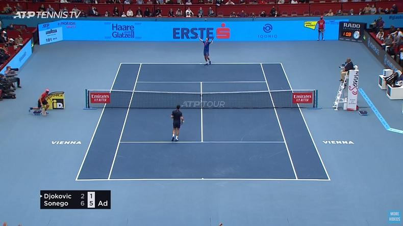 Incroyable mais vrai, Lorenzo Sonego a infligné à Novak Djokovic la plus grosse défaite de sa carrière sur un match en deux sets gagnants, au tournoi de Vienne 2020.