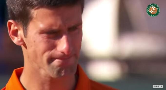 Novak Djokovic au bord des larmes lors d'une standing ovation