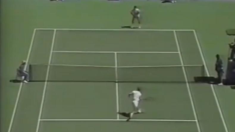 Stefan Edberg, un des plus grands volleyeurs de l'histoire du tennis.