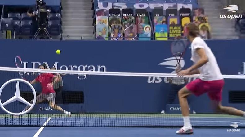 Dominic Thiem frappe deux coups droits exceptionnels contre Alexander Zverev, à un moment ultra-important, en finale de l'US Open 2020.