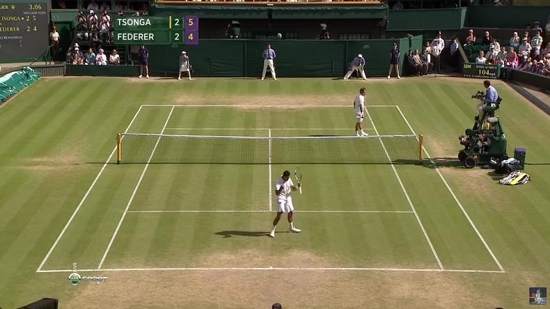 Jo-Wilfried Tsonga joue un tennis incroyable pour battre Roger Federer en quarts de finale de Wimbledon 2011, après avoir été mené 2 sets à 0.