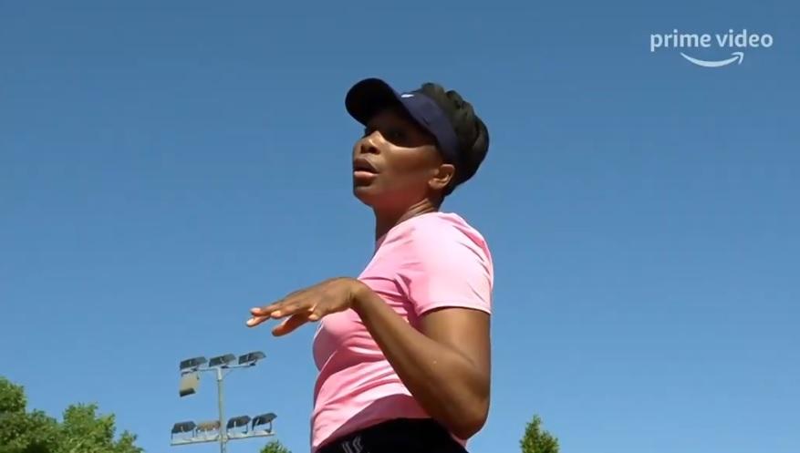 """En mode """"Queen"""", Venus Williams dit à l'arbitre qu'elle ne peut pas contrôler Dieu"""" à cause du vent. Excellent !"""