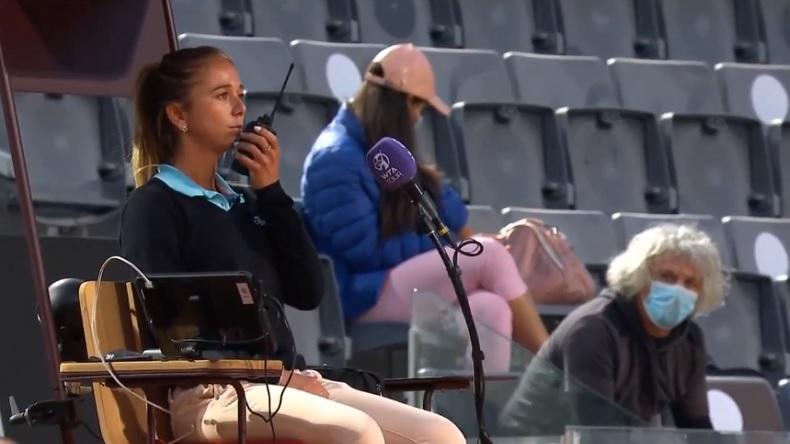 L'arbitre a peur du père de Camila Giorgi et demande quelqu'un pour rester à côté au tournoi de Rome 2021.