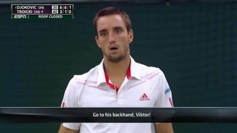 Quand un spectateur donne un conseil foireux à Viktor Troicki pour battre Djokovic.
