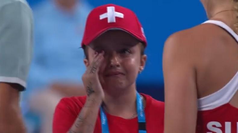 Un moment mignon à la Hopman Cup 2017 avec cette petite fille totalement submergée par l'émotion en rencontrant Roger Federer.