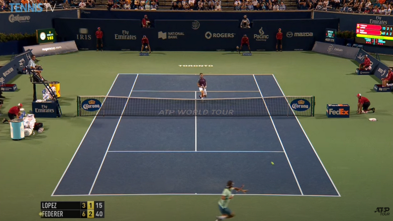 A Toronto en 2014, Federer avait sorti un combo tweener + home run contre Feliciano Lopez en demi-finale du tournoi.