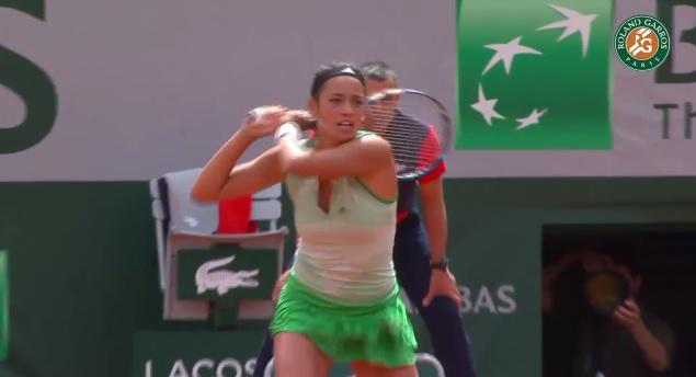 """Alizé Lim a marqué un des """"hot shots"""" de la première journée à Roland Garros."""