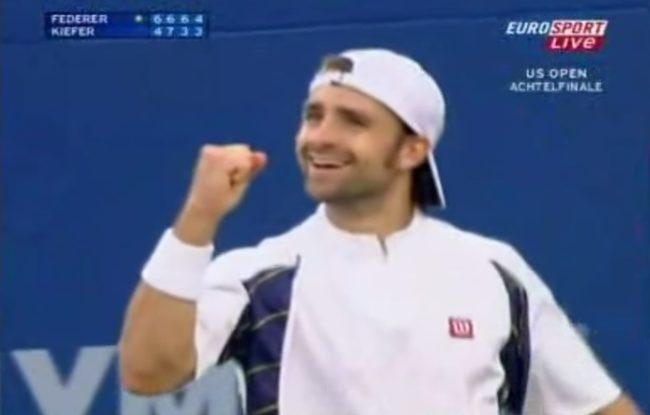 Probablement le coup droit chopé le plus rapide de l'histoire (US Open 2005)