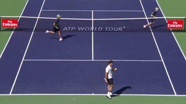 La rétro de Federer feinte un ramasseur (Indian Wells 2018)