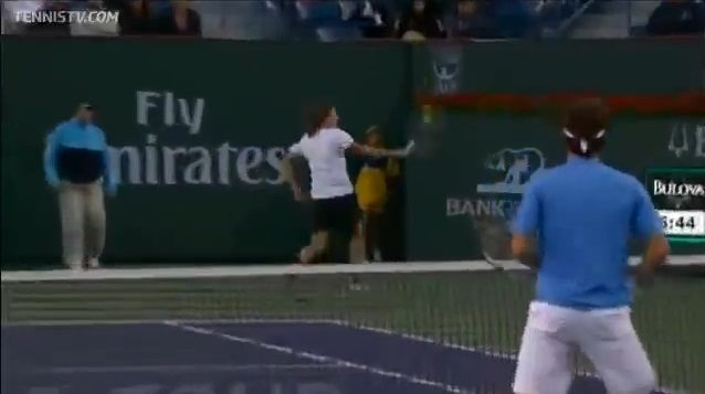 La remise incroyable de Dolgopolov (Finale du double - Indian Wells 2011)
