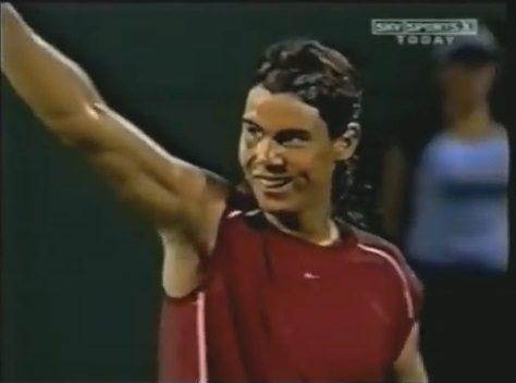 Nadal, 17 ans, bat Federer pour leur premier affrontement (Miami 2004)