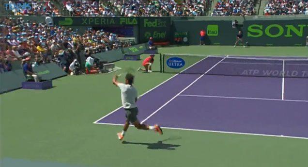 Nadal sanctionne le smash trop tendre de Djokovic (Miami 2014)