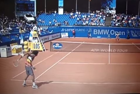 Le retour dans le dos de Dustin Brown ! (Munich 2012)