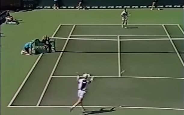 Jim Courier allume volontairement l'arbitre de chaise (Miami 1994)